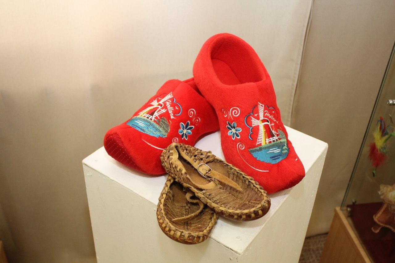 В Ялуторовском музее открылась выставка туфелек